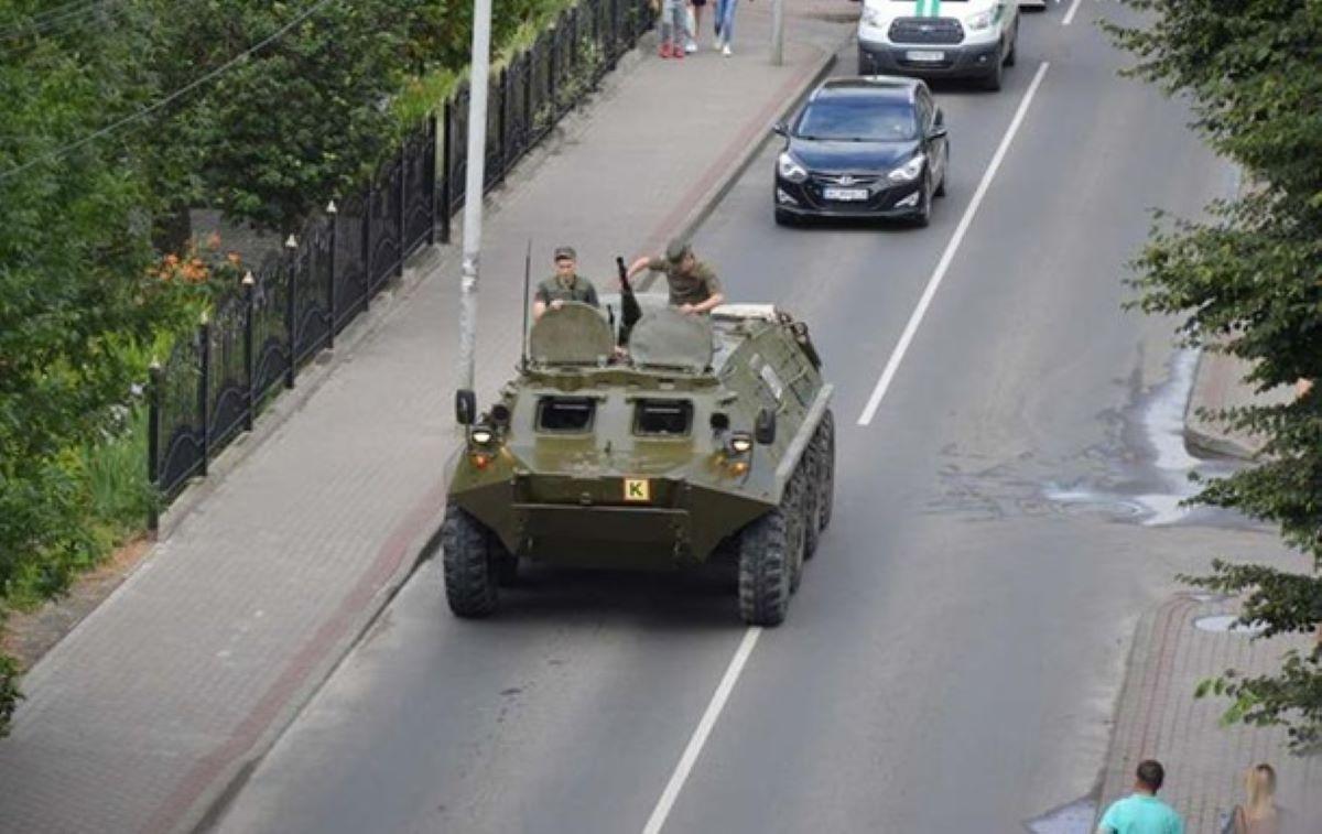 Захват заложников на Украине. Жителей Луцка просят не выходить на улицу